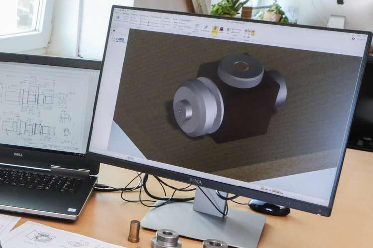 Ausstattung Hardware und Software im Ingenieurbüro für Maschinenbau Konstruktionen.